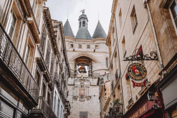 Best Instagrammable spots in Bordeaux, France + amazing photo locations